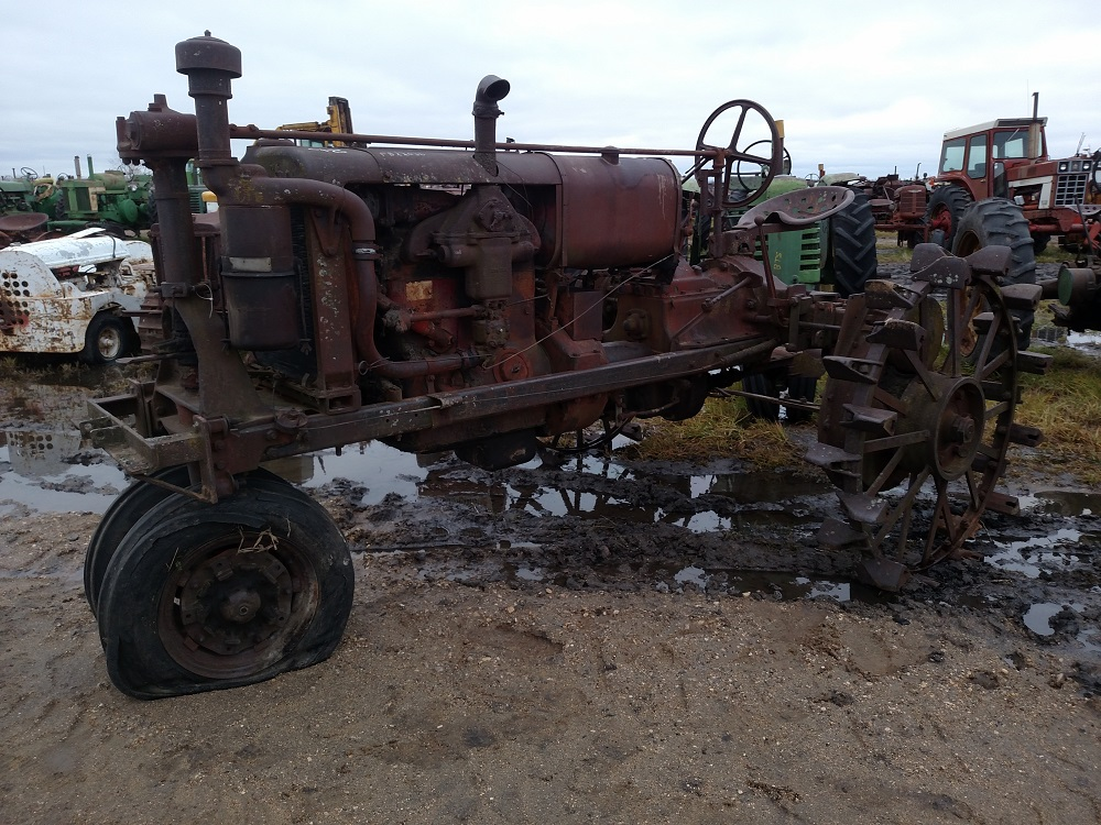 International Tractor Salvage Yard : Farmall biewer tractor salvage