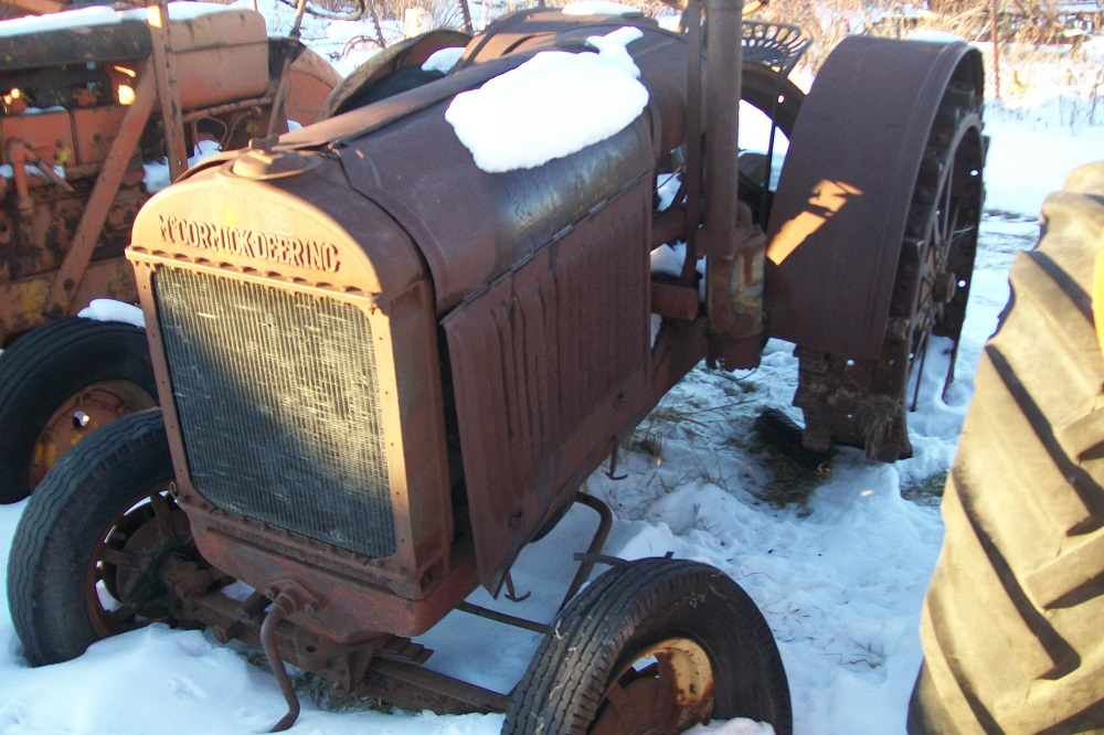 McCORMICK1020TRACTOR3711