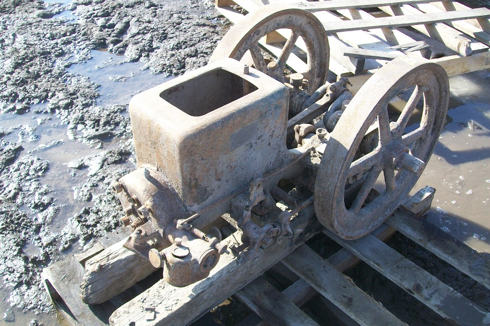 Gas Engines | Biewer Tractor Salvage