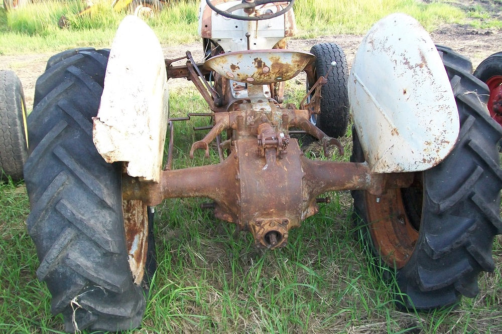 FORD8NTRACTOR558
