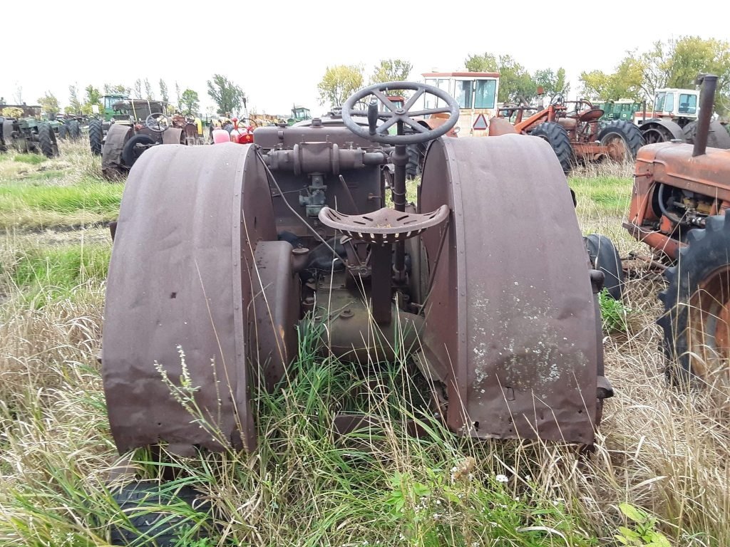 CASE1832TRACTOR931